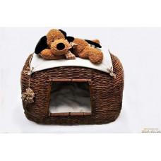 Домик для кошки или маленькой собаки